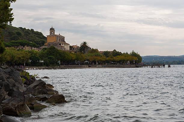 Lago Bracciano-Vista dalla Trevignano Romano - foto stock