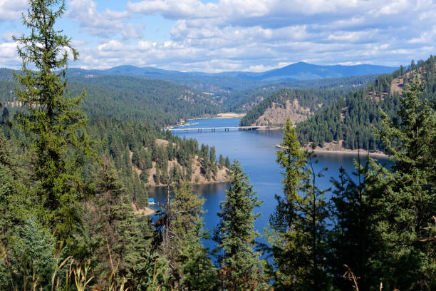 Lake Coeur d'Alene, Idaho Visrta of Lake Coeur d'Alene, Idaho national forest stock pictures, royalty-free photos & images