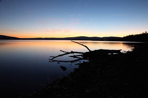 lake eucumbene, nsw, australia sunset - lake eucumbene stock photos and pictures