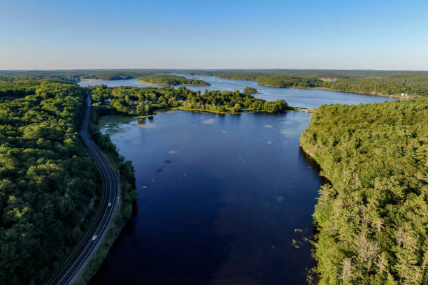Lake, Highway, Marsh, Maine, USA – Foto
