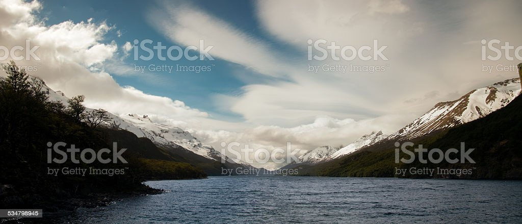 Lago en chalten argentina - foto de stock