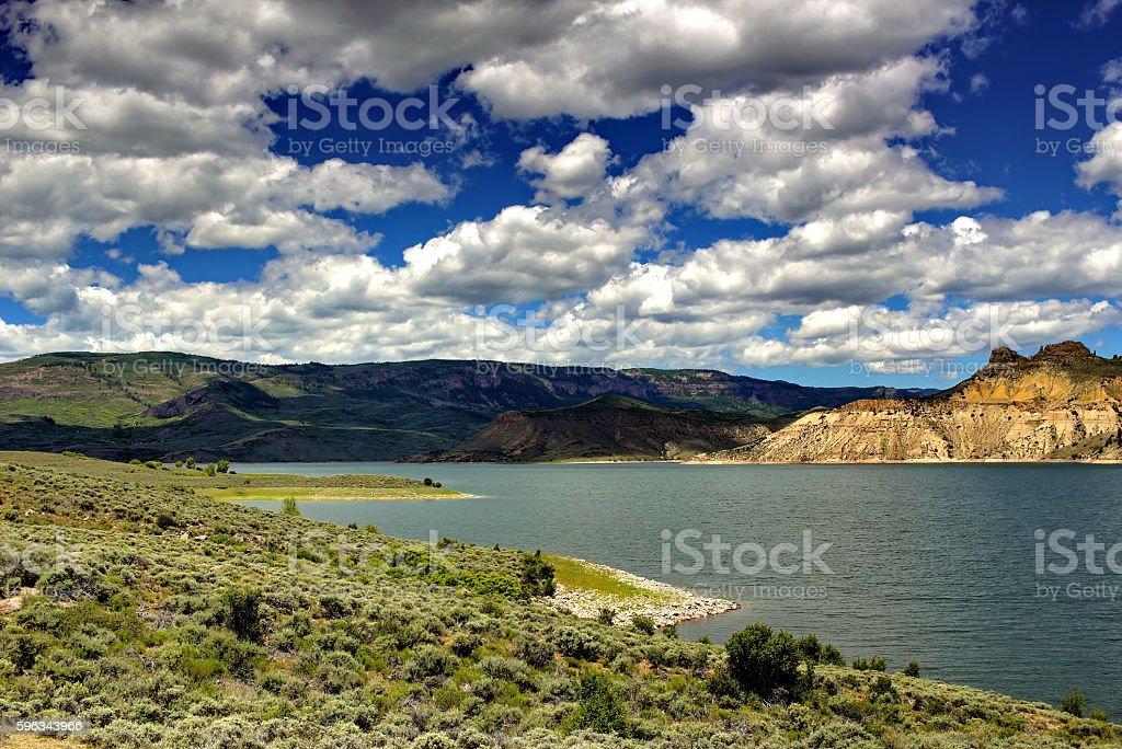 Lake in den Rocky Mountains Lizenzfreies stock-foto