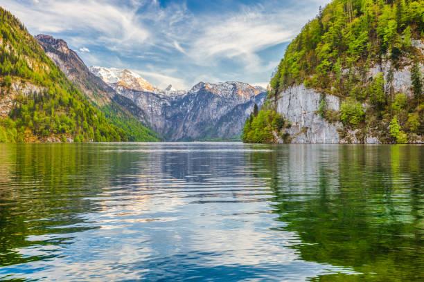 sjön koenigssee på våren, berchtesgadener land, bayern, tyskland - bayerischer wald bildbanksfoton och bilder