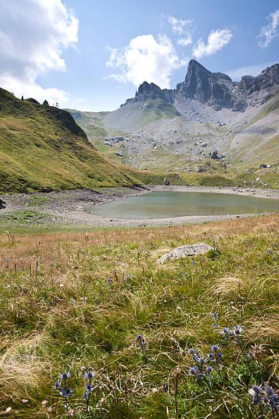 lac de lhurs, pyrenees, france - bearn stok fotoğraflar ve resimler
