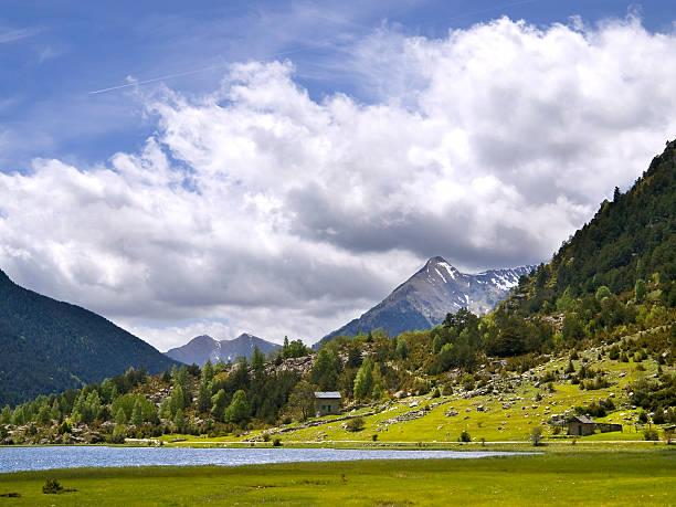 озеро llebreta - lleida стоковые фото и изображения
