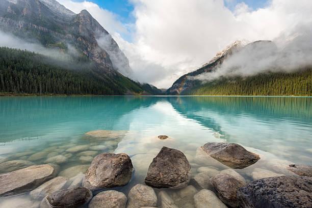 lake louise, banff national park, canada - lake louise stockfoto's en -beelden