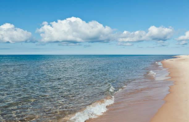 lake michigan beach - lake michigan stock pictures, royalty-free photos & images