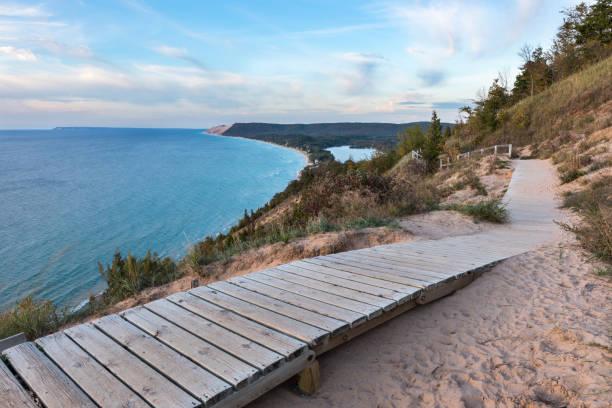 lake michigan overlook at sleeping bear dunes in michigan - lake michigan stock pictures, royalty-free photos & images