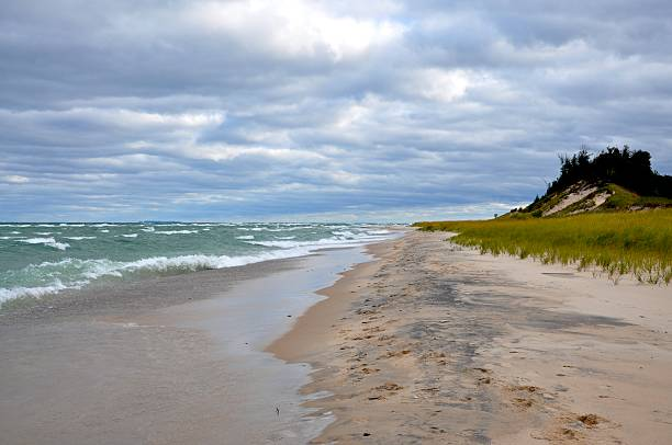 lake michigan shoreline - kurjanphoto stock pictures, royalty-free photos & images