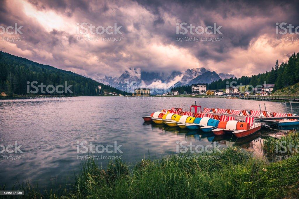 Lake Misurina, picturesque afternoon scene in the Tre Cime Di Lavaredo Natural Park, Dolomite Alps, Italy, Europe. - foto stock