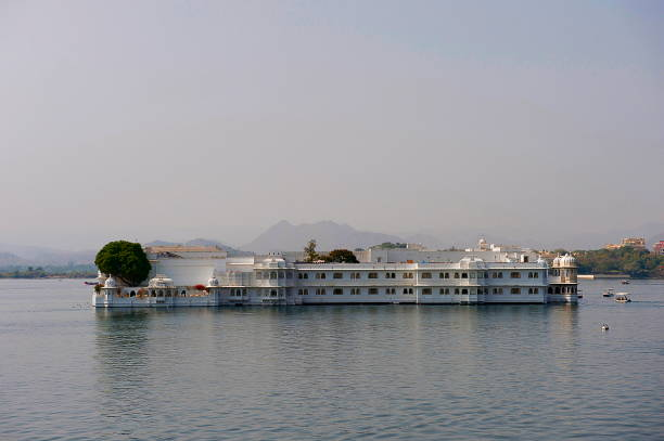 Lake Palace, Jag Niwas, Udiapur, Rajasthan, India Lake Palace, Jag Niwas, Udiapur, Rajasthan, India lake palace stock pictures, royalty-free photos & images