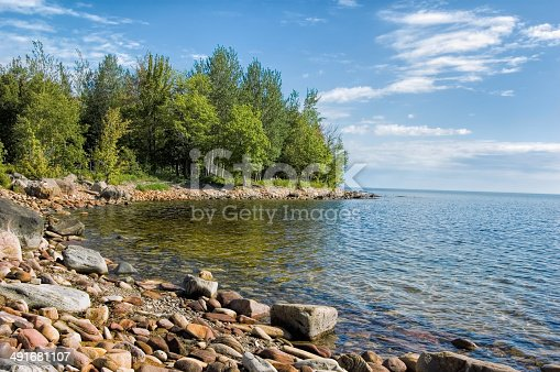 627263082 istock photo Lake Superior Rocky Inlet, Summer 491681107