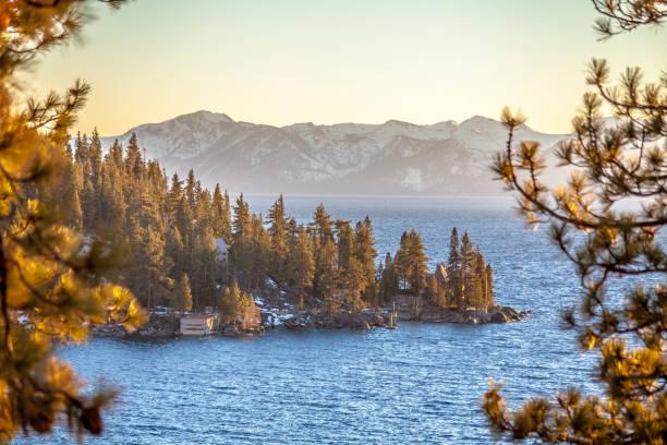 see lake tahoe  - lake tahoe winter stock-fotos und bilder