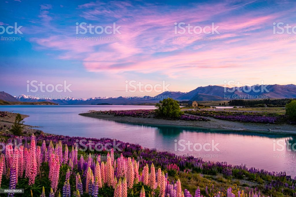 Lake Tekapo bij dageraad, Nieuw-Zeeland Zuid eiland - Royalty-free 2012 Stockfoto