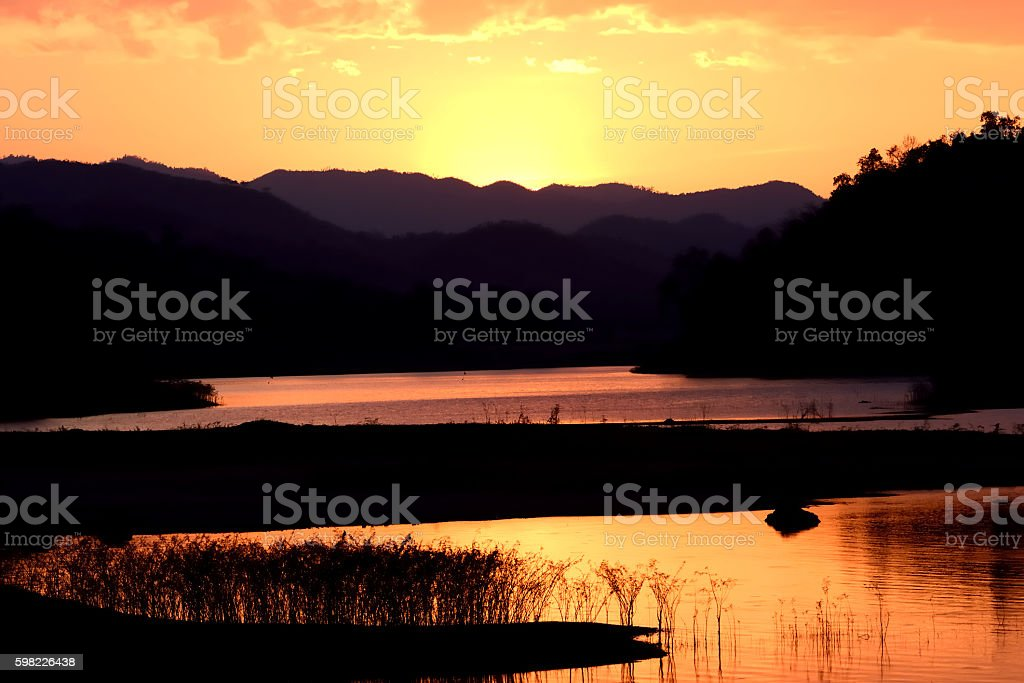 lake view in the twilight time foto royalty-free