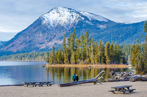 Lake Wenatchee in Winter Lake Wenatchee in Washington state on a winter day. valley of the ten peaks stock pictures, royalty-free photos & images