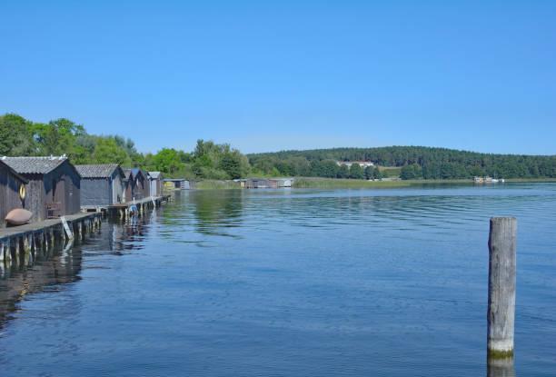 lake woblitzsee,wesenberg,mecklenburg lake district,germany - nationalpark müritz stock-fotos und bilder