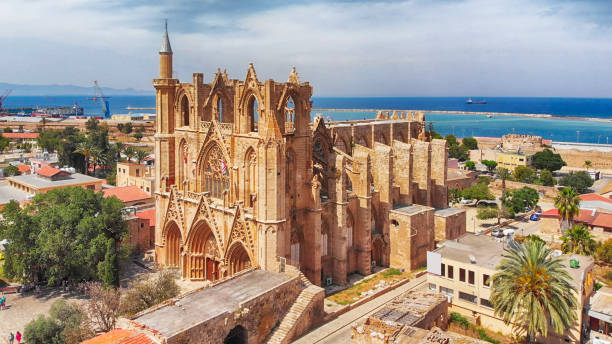 lala mustafa pasha mosque (cathedral of saint nicholas) in gazi magosa (famagusta), cyprus - cyprus стоковые фото и изображения