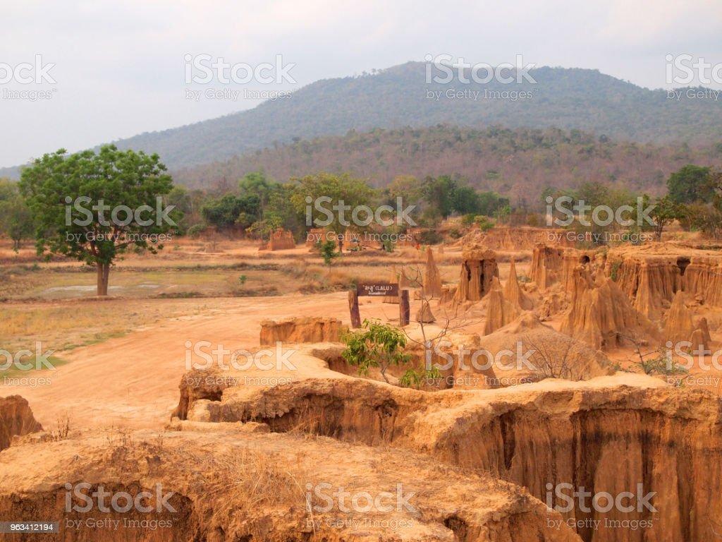 Lalu Park i Sakaeo provinsen, Thailand, på grund av jorderosion har producerat stranges former - Royaltyfri Berg Bildbanksbilder