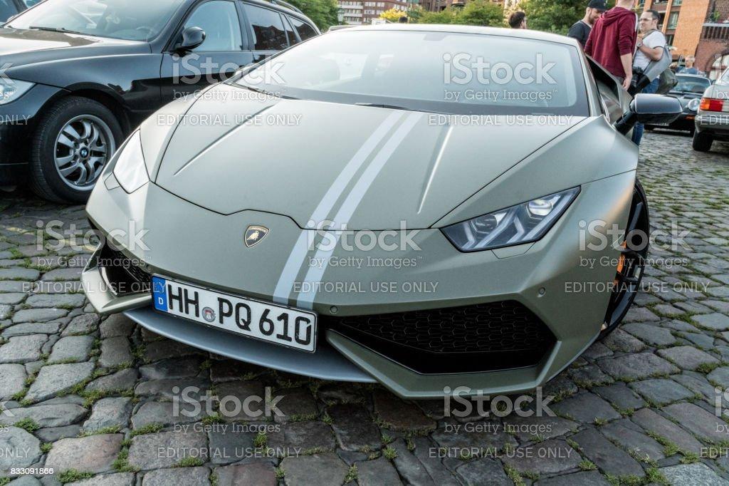 Lamborghini Huracan LP610-4 estacionado durante o evento com Magnus Walker sobre o Hamburgo do mercado de peixe - foto de acervo