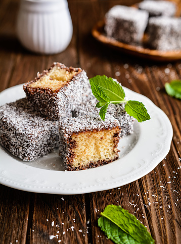 istock Lamington cakes with chocolate and coconut coating 822081190