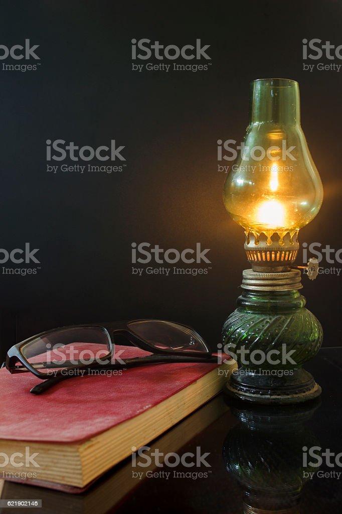 Lamp and book - foto de stock