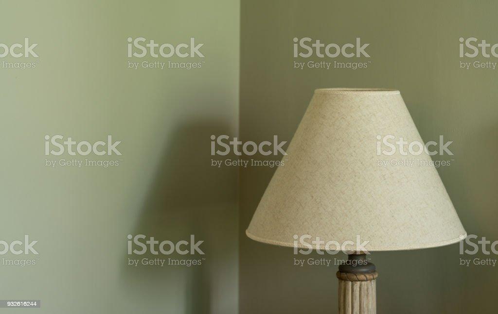 Lampe Auf Seite Schlafzimmer Auf Den Tisch Grun Pastell Farbe An Der Wand Textfreiraum Stockfoto Und Mehr Bilder Von Behaglich Istock