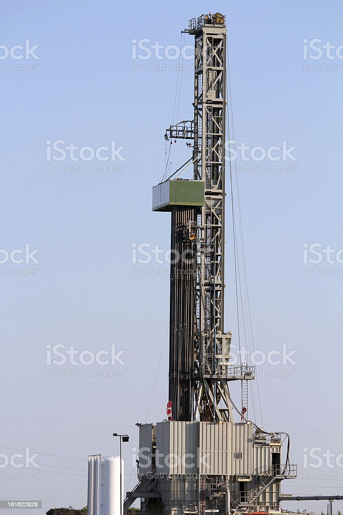 Land Oil Drilling Rig And Equipment Stock Photo - Download