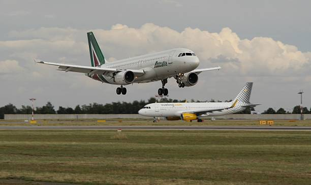 Landing A320 - foto de acervo