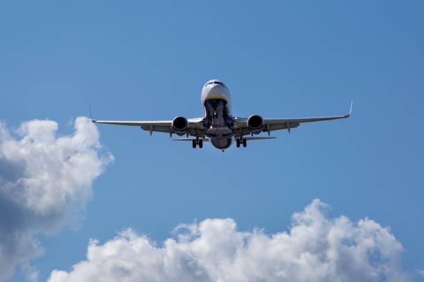 Landeanflug von Ryanair-Flugzeug – Foto