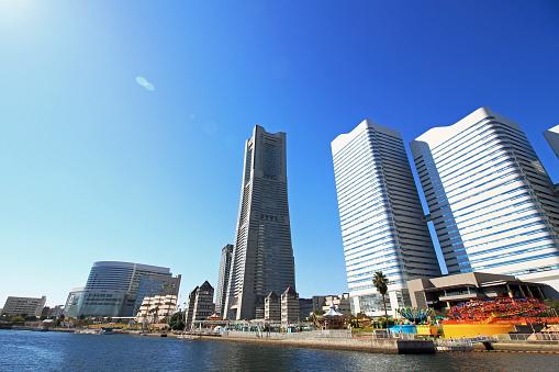 ランドマークタワーや帆船日本料理マル - 2015年のストックフォトや画像を多数ご用意