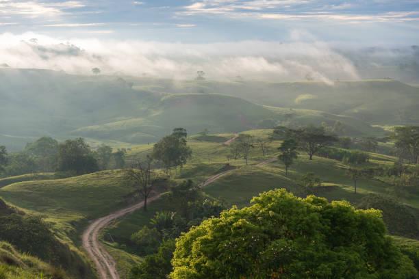 Landschaft bei Sonnenaufgang auf einem Gebiet von Kolumbien. – Foto