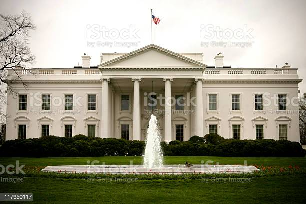 Landscape Exterior Front View Of The White House Stock Photo - Download Image Now
