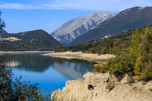 Paisaje de Abruzzo en Italia - foto de stock