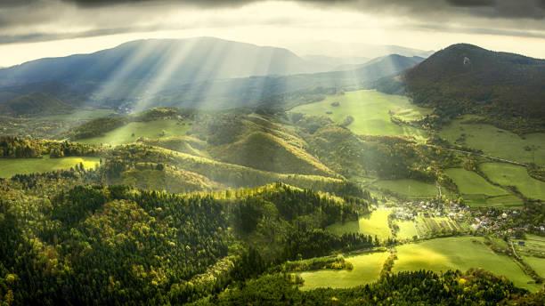 landschaft im frühling - desktop hintergrund hd stock-fotos und bilder