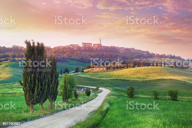 Landscape in tuscany with the small town of pienza in the background picture id841790582?b=1&k=6&m=841790582&s=612x612&h=evv8bitbrmlnnmir fllyszs8oezwhvm5npc cjotce=