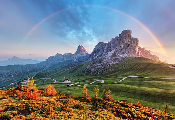 landscape nature mountan in alps with rainbow - arco íris - fotografias e filmes do acervo