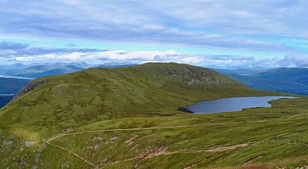 landschaft in der nähe des ben nevis, schottland, die west highlands - nevis tal stock-fotos und bilder