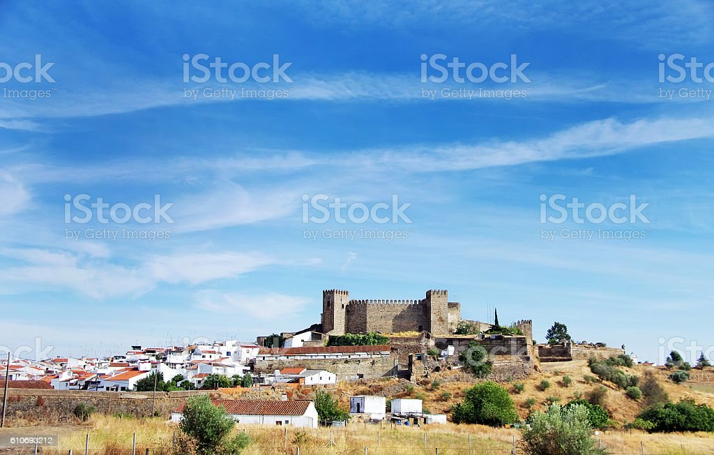 Landscape of Campo Maior and old castle, Portugal - Royalty-free Aldeia Foto de stock