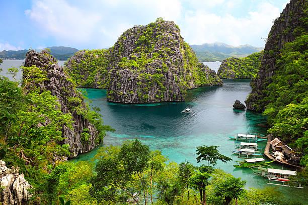 paisagem de coron, busuanga ilha palawan, nas filipinas, província - laguna - fotografias e filmes do acervo