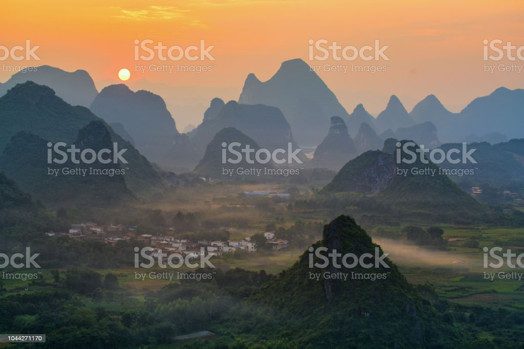 Landschaft von Guilin, China. Li-Fluss und Karst Bergkette Cuiping oder – Foto