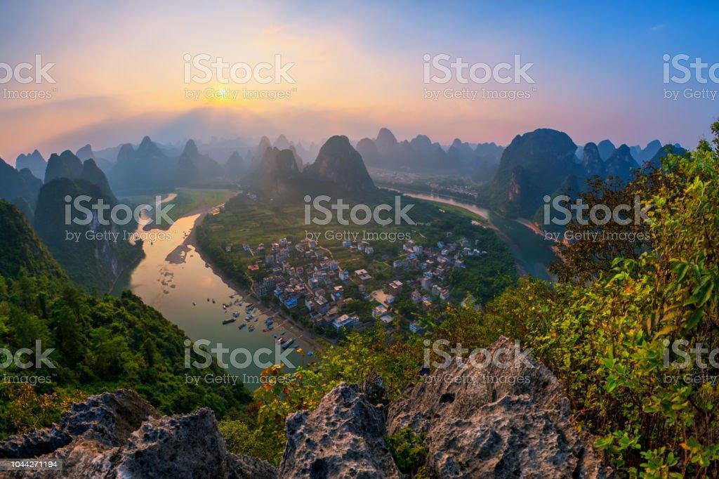 Landschaft von Guilin, Li-Fluss und Karst Berge genannt Laozhai montieren, Provinz Guangxi, China – Foto