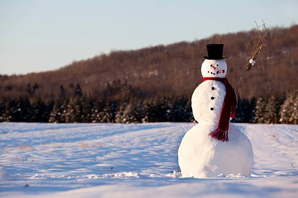 Landscape of line snowman in the morning picture id184918637?b=1&k=6&m=184918637&s=612x612&w=0&h=9jj2aytiw04azrt2nmsodc7bgmylluenpha6t7ylj5k=