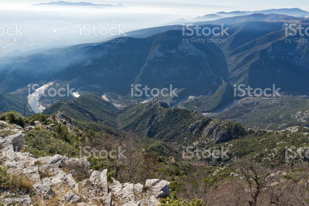希臘克桑西鎮附近的 Nestos 河峽谷景觀 - 免版稅Thrace圖庫照片