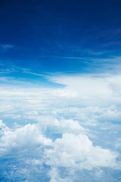 landscape of the clear sky - grandangolo tecnica fotografica foto e immagini stock