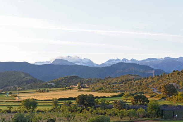 Landscape of the Pyrenees from the walls of Ainsa, Huesca province,Spain - foto de stock