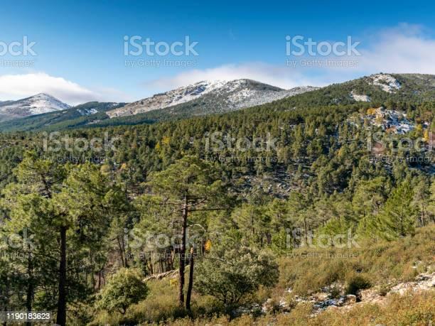 Landscape of the sierra de guadarrama of madrid snowy autumn picture id1190183623?b=1&k=6&m=1190183623&s=612x612&h=xsv hmiikxaaphfmegz5baputk9ofnw objbsupaclc=