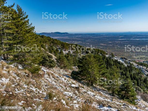 Landscape of the sierra de guadarrama of madrid snowy autumn picture id1190183825?b=1&k=6&m=1190183825&s=612x612&h=f5titr0fcfibuz1tp oymovlitnp9qzb1fj5wffcdie=