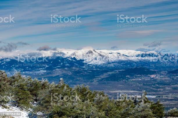 Landscape of the sierra de guadarrama of madrid snowy autumn picture id1190184164?b=1&k=6&m=1190184164&s=612x612&h=wwqhe0vf8207 urcwoypqwi lekorsxozd9gnmvauwk=