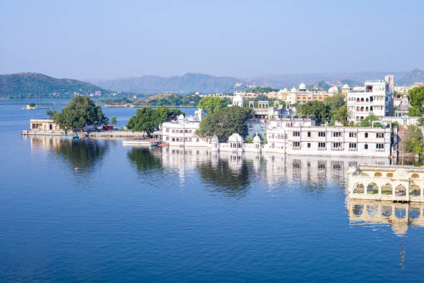 landscape of udaipur, rajasthan, india landscape of udaipur, rajasthan, india lake pichola stock pictures, royalty-free photos & images